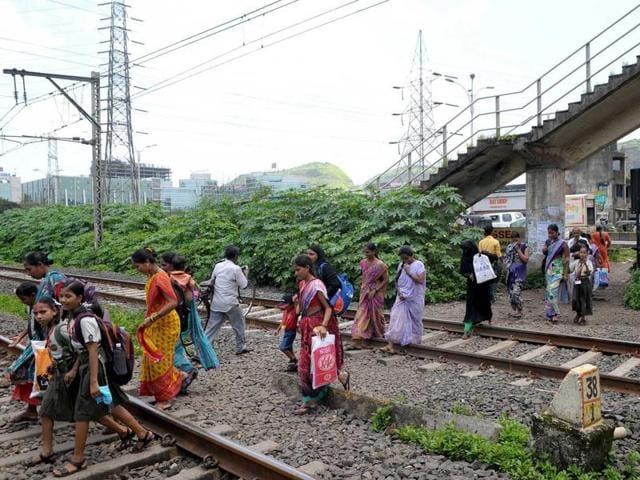 Despite availability of a foot over bridge, people prefer crossing tracks at Airoli.