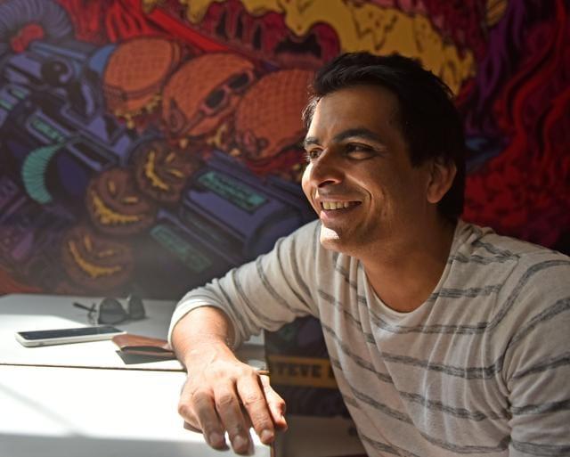 Actor Manav Kaul at Super Milk Centre in Aram Nagar(Photo: Vidya Subramanian/HT)