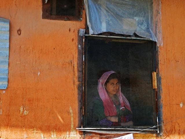 Kashmir unrest,Srinagar curfew,Restrictions Kashmir