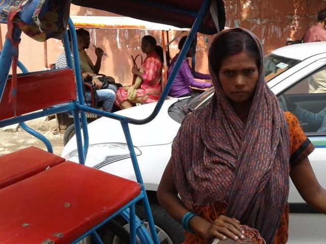 Ranju became a cycle rickshaw puller in order to supplement her family income.(HT Photo)