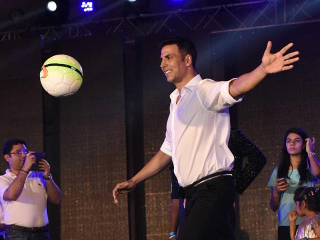 Akshay is a sports enthusiast and loves playing football. He was present at last year's opening ceremony as well and will be returning for season 3, riding high on the success of this year's hit movies Airlift and Rustom.
