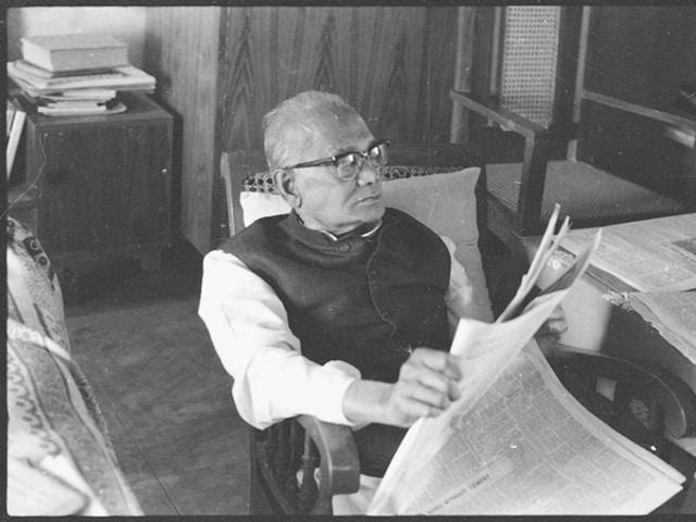 Jayaprakash Narayan: 'Kashmir has cost us a great deal and it is time that every one who is a patriot in this country thought seriously about a really good solution. I have already told you what I think is a really good solution'(HT)