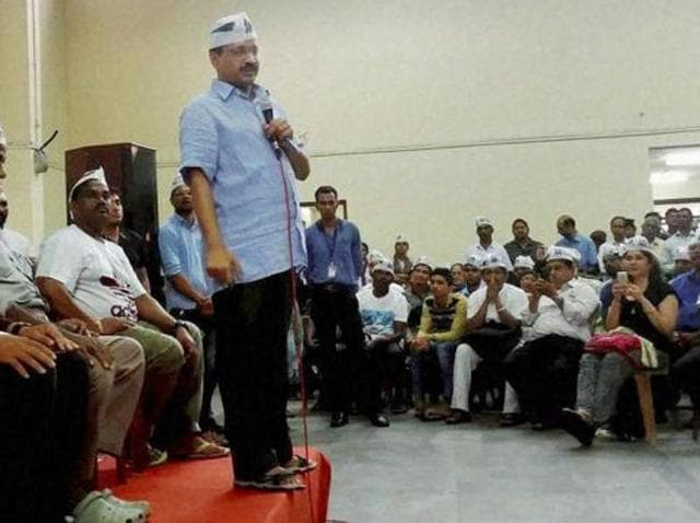 Delhi chief minister and AAP convener Arvind Kejriwal addresses a gathering in Vasco, Goa.(PTI)