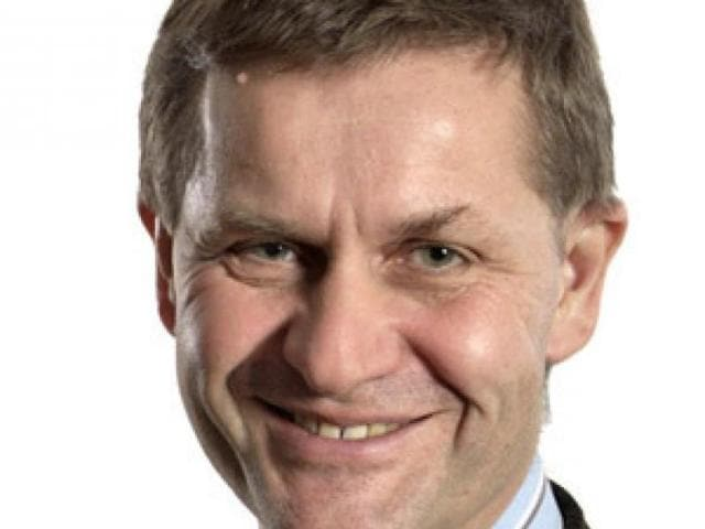 Erik Solheim , executive director, United Nations Environment Programme (UNEP) and his team will join the group to campaign for cleaner oceans.