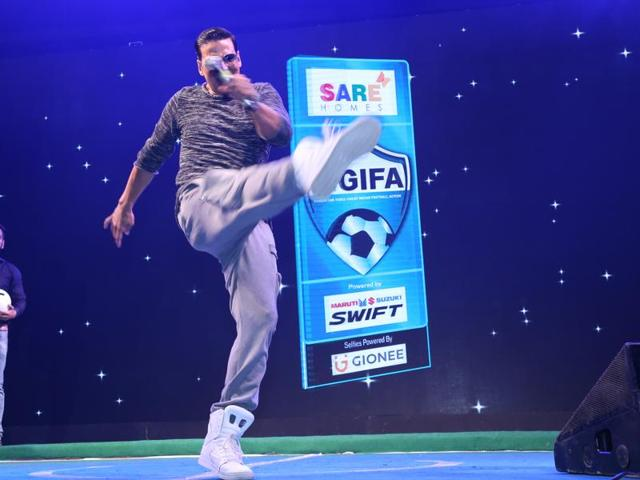Akshay made a grand entrance on stage to a power-packed audience of 5000 people.