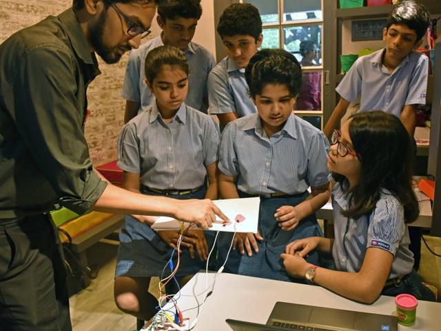 Students of RN Podar school, Santacruz learn new techniques.