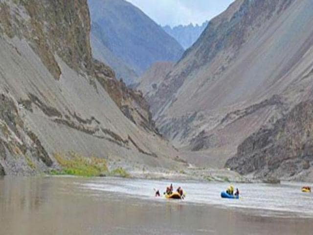 Under the treaty, the water of six river - Beas, Ravi, Sutlej, Indus, Chenab and Jhelum - was to be shared between India and Pakistan. (HT File Photo)