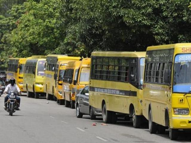 In the past few days, school buses have been facing delays of over an hour due to the poor maintenance of roads.