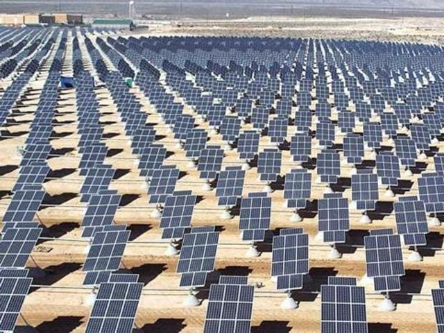 The device has been developed by solar energy expert S P Gon Chowdhury and his team in Kolkata.(HT Photo)