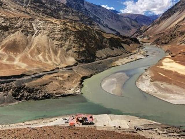 Under the treaty, the water of six river - Beas, Ravi, Sutlej, Indus, Chenab and Jhelum - was to be shared between India and Pakistan. (Shutterstock/Representative image)