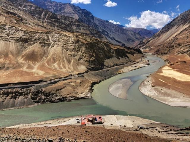 Under the treaty, the water of six river - Beas, Ravi, Sutlej, Indus, Chenab and Jhelum - was to be shared between India and Pakistan.(Shutterstock/Representative image)