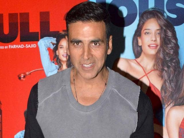 Akshay Kumar and Omung Kumar had discussed the latter's new project at length but Akshay couldn't give him the required dates.