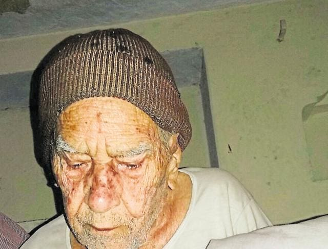 Dixit, who surrendered in 1960 in the presence of social worker Vinoba Bhave, had also said that he had no regrets over spending 20 years of his life as a dacoit.