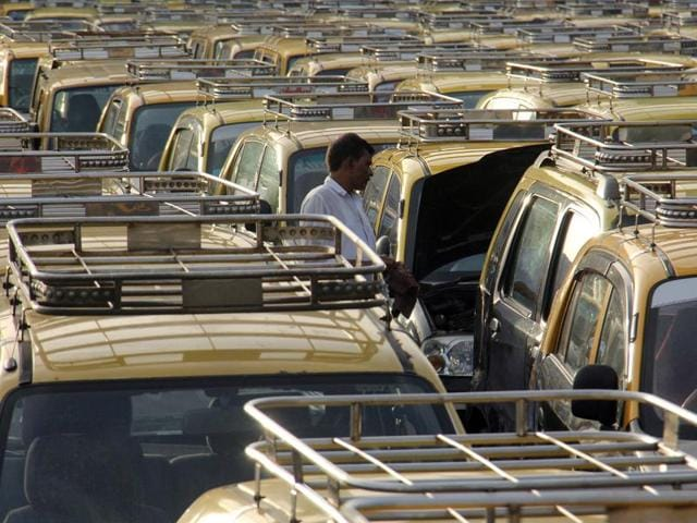 According to sources, the taxi drivers turned up in large numbers thinking that September-end was the deadline to get their meters calibrated. They thought that if they missed the deadline, they would have to pay fines daily.