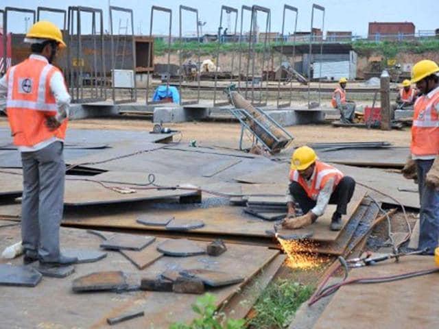 World Trade Organization cut its 2016 world trade growth forecast to 1.7 percent.