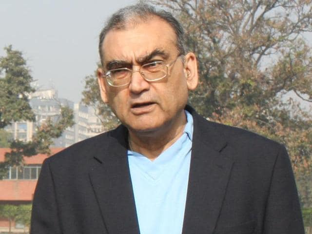 """Markandey Katju posted a sarcastic comment on Facebook, suggesting that  Pakistan could get Kashmir if it agrees to take Bihar also as part of a """"package deal""""."""