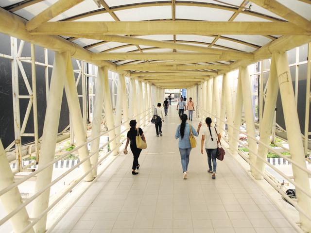 pedestrian bridge,GIP Mall,differently abled