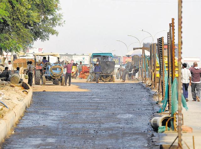 Noida,Sector 18,road widening