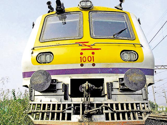 Investigators said  the accused board trains from stations beyond Dahanu, mostly from less-known places like Udhwada and Umargaon around Vapi and the stock is unloaded in batches at Valsad, Surat, Ankleshwar and Baroda stations.