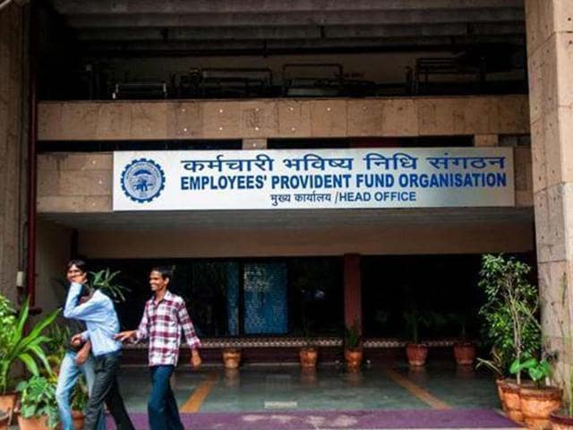 EPFO has already invested Rs 1,500 crore in ETFs in the first half of the current fiscal and will invest about `500 crore in the remaining six months.(HT file photo)