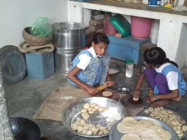 Two girls spotted,midday meal,Imlanpurva Government Primary School