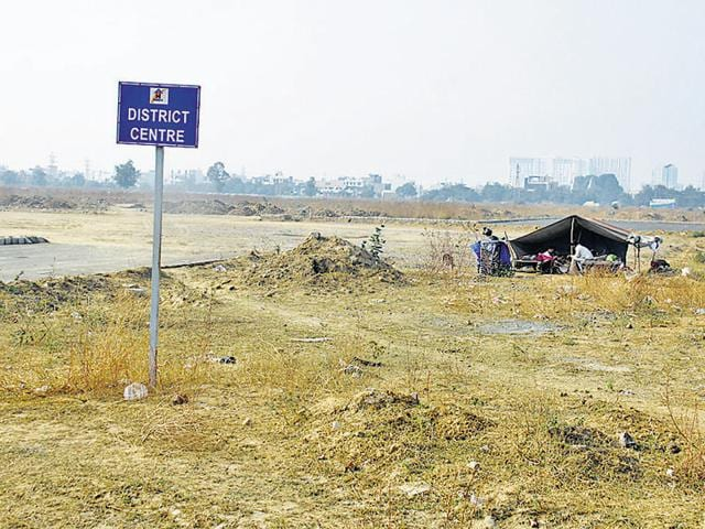 A vacant Huda plot in Sector 47. The authority is planning to identify all high potential sites across the two Huda estates in Gurgaon and auction them in a phased manner.
