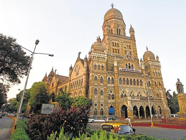 The young law graduates will help the BMC speed up legal procedures, including serving notices to book the violators.