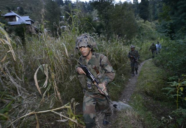 Pampore Op: one terrorist killed, gunfire continues