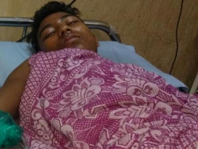 After a nine hour surgery beginning from 6.00 am to 3.00am, doctors managed to reattach Hussain's palm and wrist.
