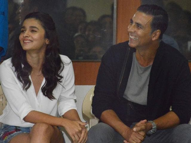 Alia Bhatt and Akshay Kumar were part of a prize distribution event of a female self-defense martial arts course run by Akshay and Aaditya Thackeray.