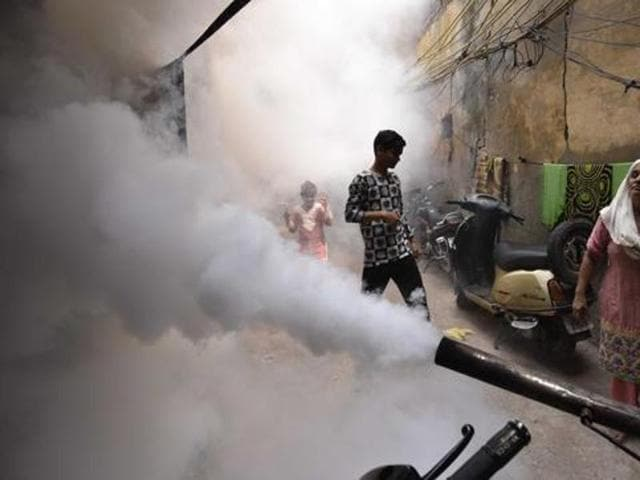 Delhi recorded its highest ever — 1,598 — chikungunya cases in the week ending October 1, but the worst is over.(Arun Sharma/HT File Photo)