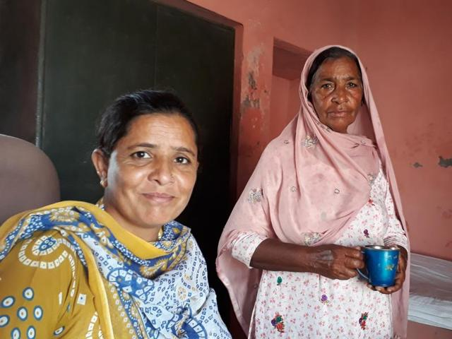 Sarabjit Kaur (left), a pharmacist, with helper Suvindar Kaur, at a govt dispensary in the border village of Naushera Dhalla.