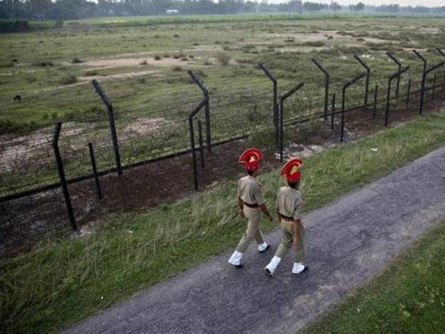 India and Bangladesh have decided to erect a single-row fence for villages that are ahead of the present fencing but behind the IB.