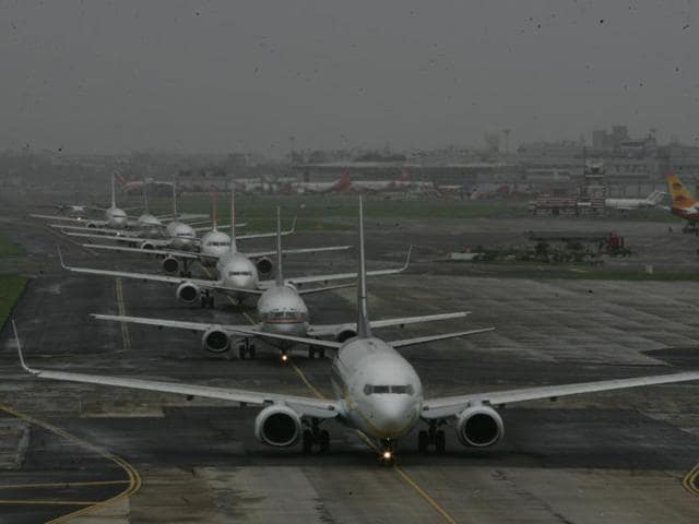 A large section of domestic flights regularly miss take-off and arrival times — even in good weather — data on delays at the Mumbai airport showed.