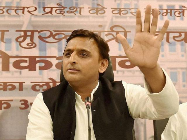Uttar Pradesh chief minister Akhilesh Yadav, along with SP leader Azam Khan, addressing a press conference after the inauguration of Lok Bhawan in Lucknow on Monday.