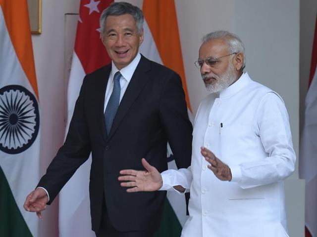 Prime Ministers Narendra Modi and Singapore's Lee Hsien Loong before their meeting at Hydrabad House in New Delhi on October 4, 2016.