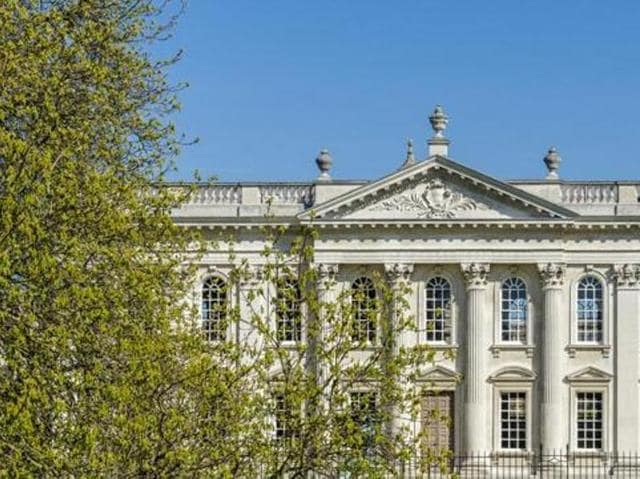 The University Of Cambridge Senate Building. (Shutterstock)
