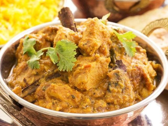 Saying no to chicken korma is never easy and it's not just because of its sinfully mouth-watering taste.
