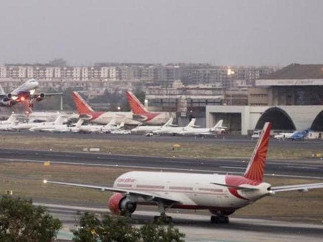 Mumbai airport,Air India flight,unusual aerial object