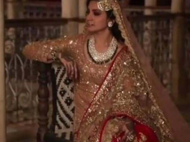 Anushka Sharma had to walk around, up and down the stairs wearing a 17kg lehenga when she was shooting for Channa, a song in Ae Dil Hai Mushkil