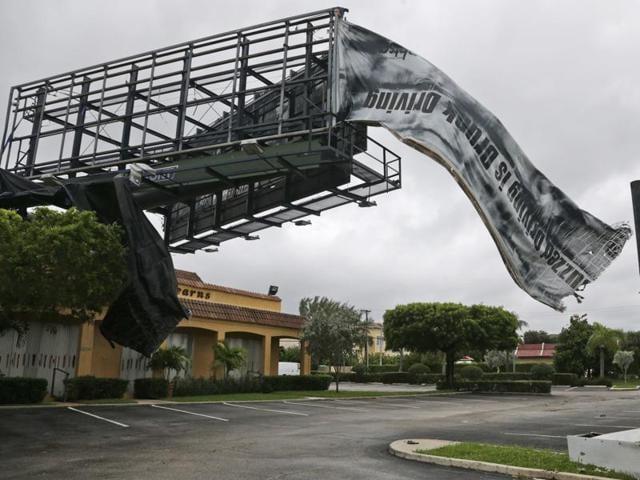 Hurricane Matthew Spares South Florida Pushes North Hindustan Times