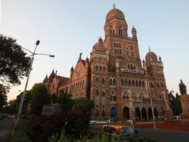 MNS corporators Sandeep Deshpande and Santosh Dhuri on Wednesday called Sanjay Darade on the pretext of inspecting a site in Dadar and forced him to carry a placard saying he was responsible for all potholes on a road in Dadar.