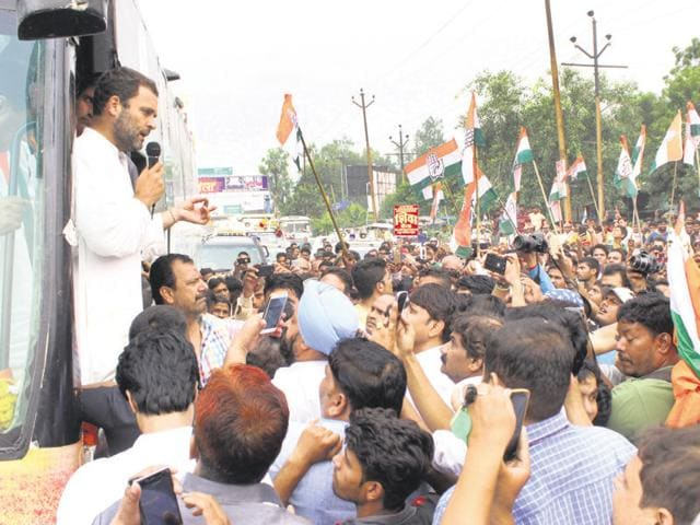 Congress vice-president Rahul Gandhi held a road show and visited a popular Shikanji shop in Ghaziabad during the final leg of his Kisan Yatra on Thursday.