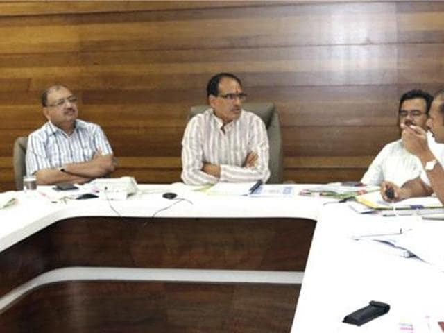In a cabinet meeting on Friday, MP chief minister Shivraj Singh Chouhan decided to regularise 48,000 daily wagers, a decision that would bring smiles on many faces this festive season.