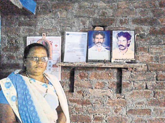 Balwant Tandel is survived by wife Damyanti Tandel, a son and two daughters.