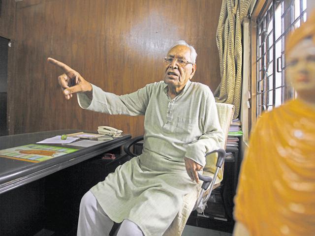 Founder of RSS-backed Shiksha Sanskriti Utthan Nyas and educationist Dina Nath Batra.