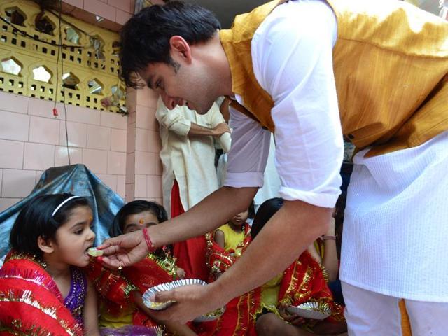 TVactor Sourabh Raaj Jain during kanya pujan.