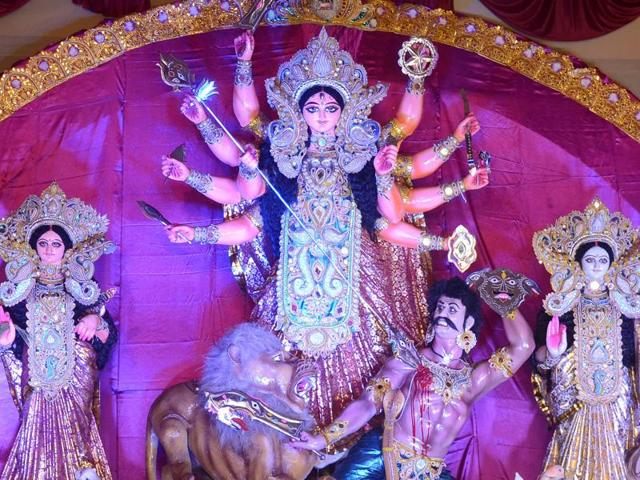 Durga puja,Calcutta high court,minorities