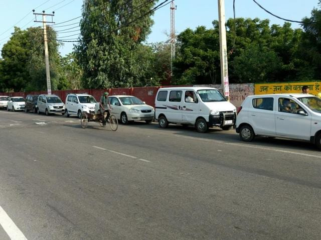 Vehicles queue up at a CNG filling station in Rohtak on Sunday. The station has the capacity to deliver only 1,600 kg gas in a day and it takes a vehicle hours for a fuel refill.