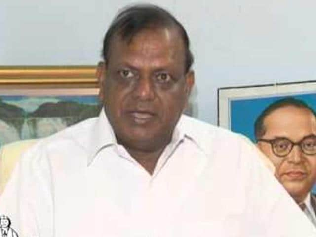 Bahujan Samaj Swabhiman Sangharsh Samiti (BS4) chief, RKChaudhary has said he would enter an alliance with a national party for the UP polls